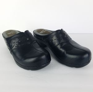 Dansko Women's Shyanne Black Leather Clog 7.5-8